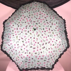 🎁 Betsey Johnson Umbrella ☔️